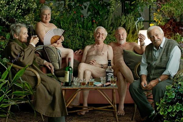 超過65歲才錄用《快樂告別的方法》資深演員全裸開趴