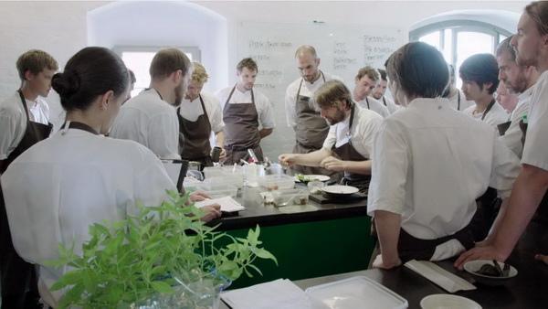 堪稱初生之犢的丹麥「諾瑪」(NOMA)餐廳,開業僅11年,就已奪下四次「世界50 TOP最佳餐廳」(TOP 50 BEST RESTAURANT),轟動全世界,饕客趨之若鶩