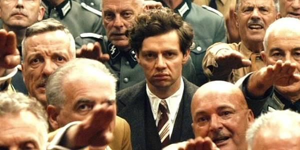 克里斯欽發揮了超強領悟力,演出這位名噪一時的「反納粹鬥士」喬治艾爾塞