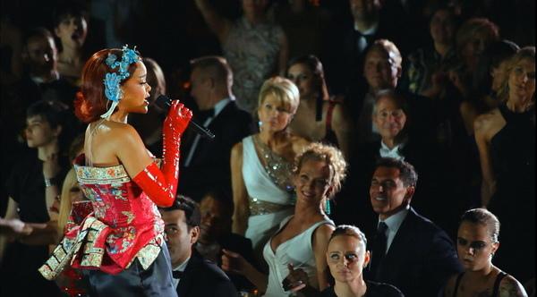 電影《時尚惡魔的盛宴》蕾哈娜出場費要價一億元台幣唱進Met Gala慈善盛宴