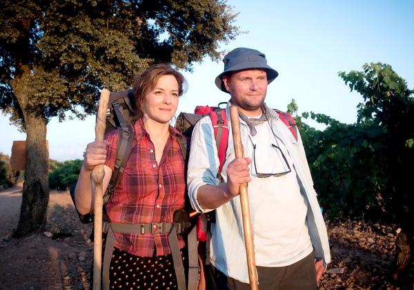 電影《我出去一下》由奧斯卡電影《偽鈔風暴》男星大衛史崔索(Devid Striesow)與《竊聽風暴》女主角瑪蒂娜吉黛克(Martina Gedeck)領銜主演
