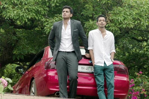 當男男愛已成往事,今年就傳出希夫潘迪特(Shiv Pandit)已有一名圈外女友