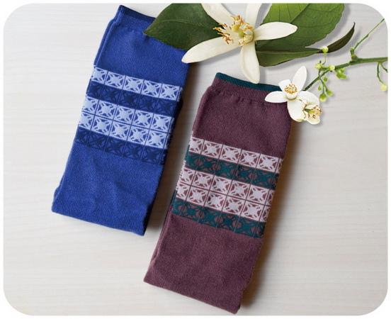 尋找天堂的3個人 預售贈品 - 印花樂 緹花風中長襪
