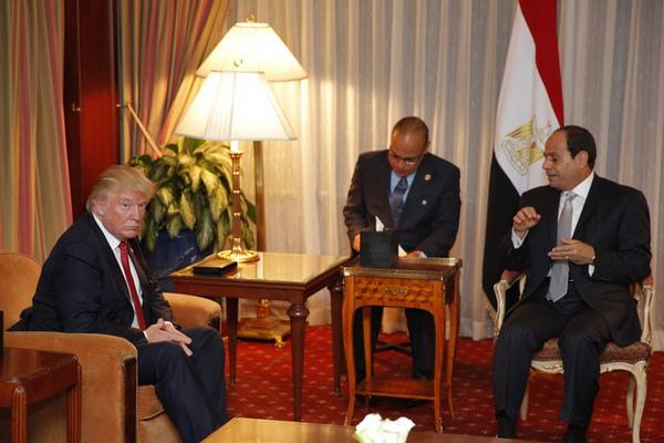 讚美川普引發爆炸《衝突的一天》預言埃及坎坷命運(右為埃及總統塞西)