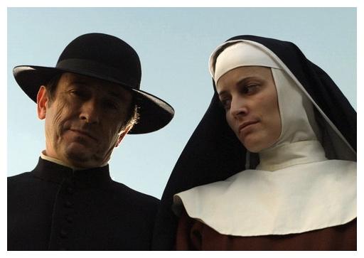 艷星「從良」《里斯本的祕密》瑪莉亞喬安巴斯托絲 (右) 遁空門遭譏與神父有染.jpg