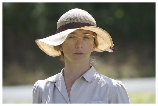 《快樂鄉頌》女主角希薇泰絲特則以前作奪下了歐洲影后.jpg