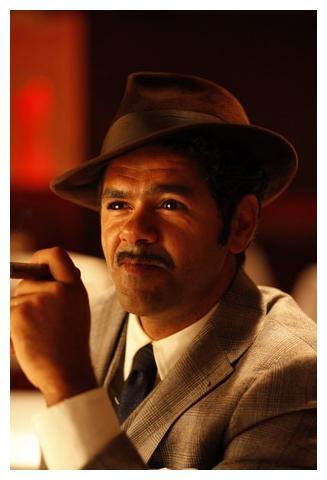 賈梅德布茲(Jamel Debbouze)- 飾演三兄弟中的老三 賽德.jpg