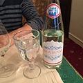 來Gogol用餐 先來瓶俄羅斯氣泡礦泉水