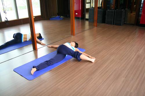 哈達瑜珈3十字式1-3.JPG