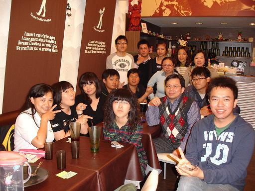 志工聚餐1.JPG