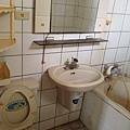 主臥浴室(未整理前)