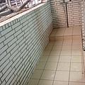 後陽台貼磁磚後