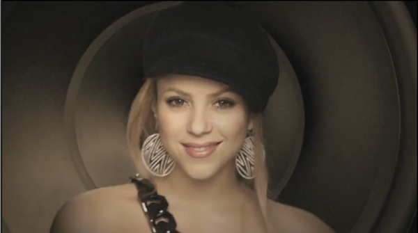 shakira give it up to me.png
