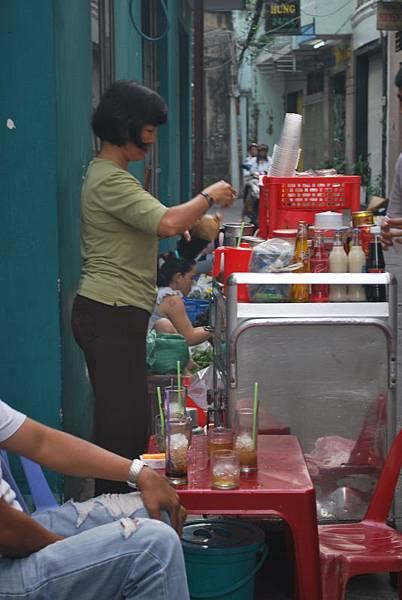 越南人每日咖啡,冰塊都好像是不用錢的