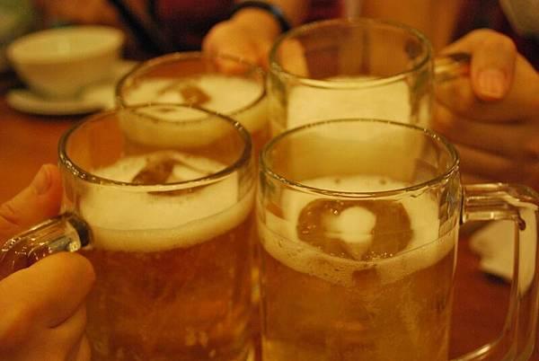 每晚都是以啤酒開飯