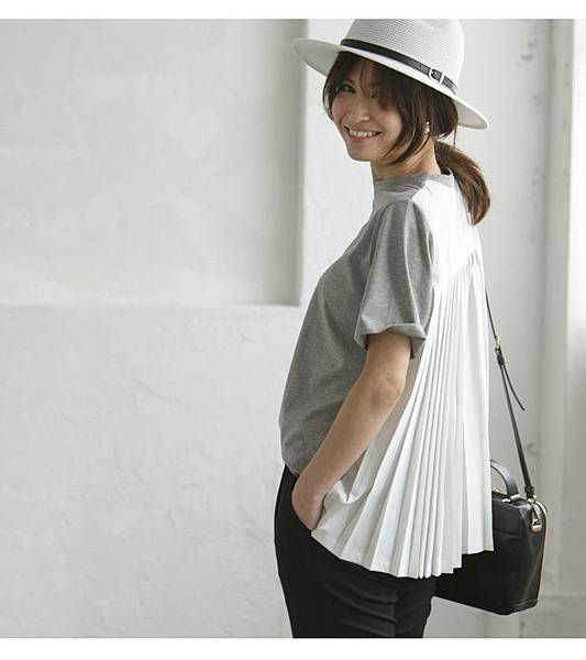 Back pleats T shirt 4212.jpg