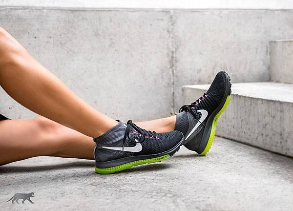 nike-wmns-zoom-all-out-flyknit-black-white-cool-grey-volt-4.jpg