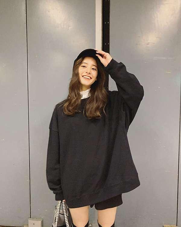 新 木 優子