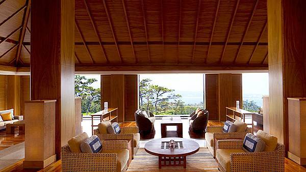 Ritz_Okinawa_00025_Galleries_1280x720