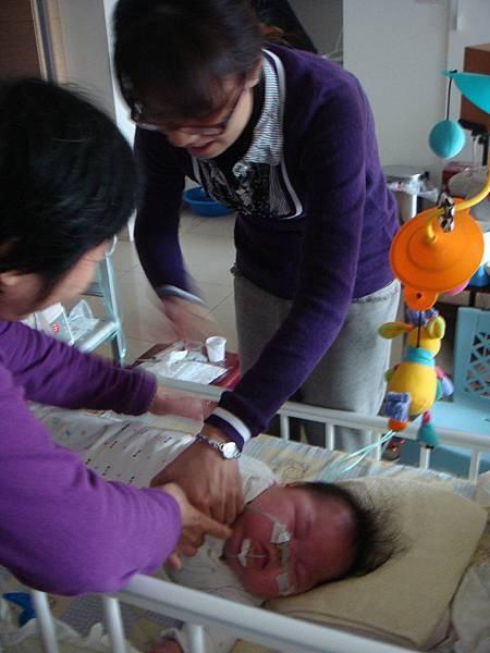 療育初期, 治療師向服務對象的家長有關醫療照顧技巧