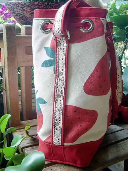 0927-草莓水桶包3