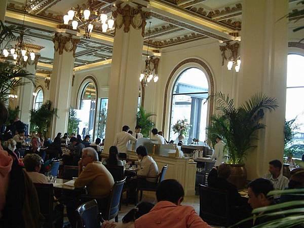 20050402_05半島酒店下午茶人潮
