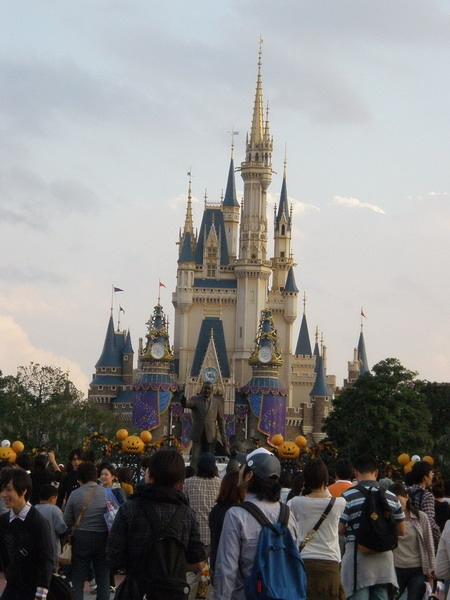 終於拍到城堡正面了