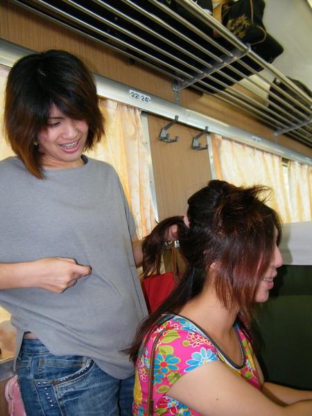 韻純姐是本車的美容美髮顧問