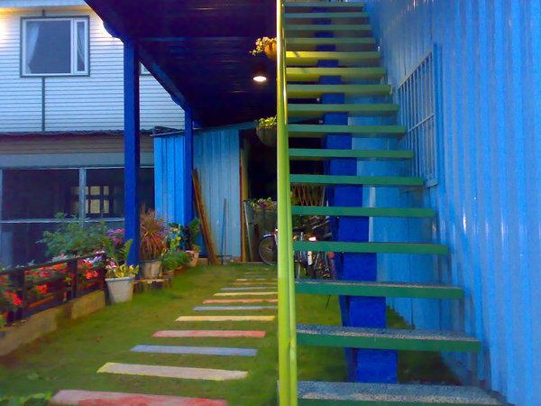 上二樓的樓梯