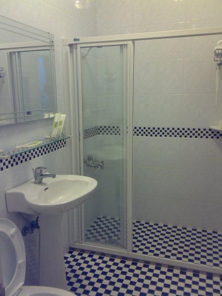 住外面我最在乎的是浴室,向日葵整理得很好,也有乾溼分離