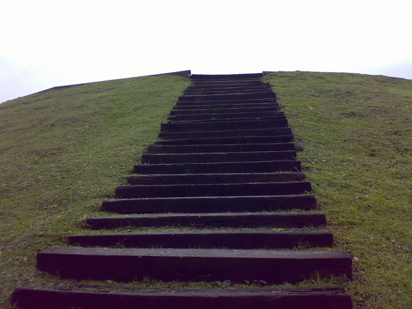 下饅頭丘的階梯,這才三分之一呢