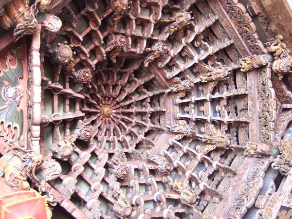 天后宮內華麗的藻井