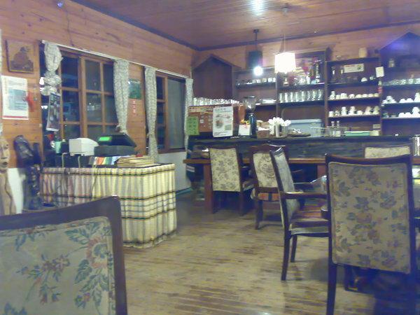 晚上的咖啡廳