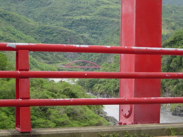 JJ拍的橋中橋