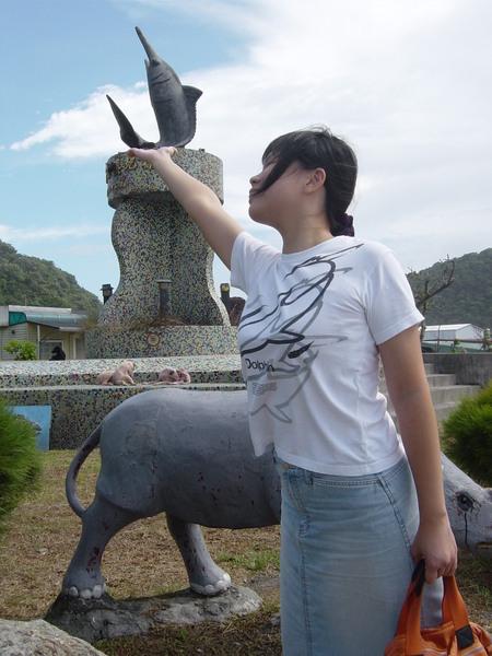 好久不見的kuso照片又來了,看劍魚在我手中跳舞!