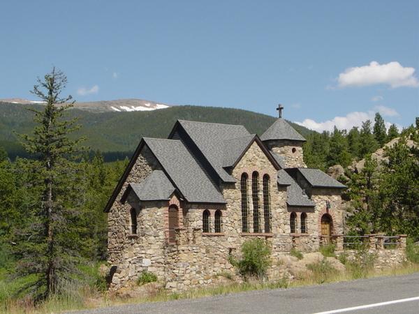去Rocky Mt.途中經過的教堂