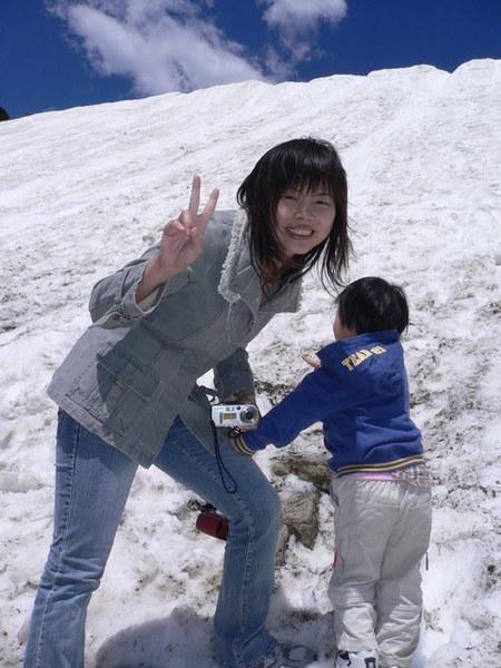 肖婆阿姨和一心想玩雪的杜妹