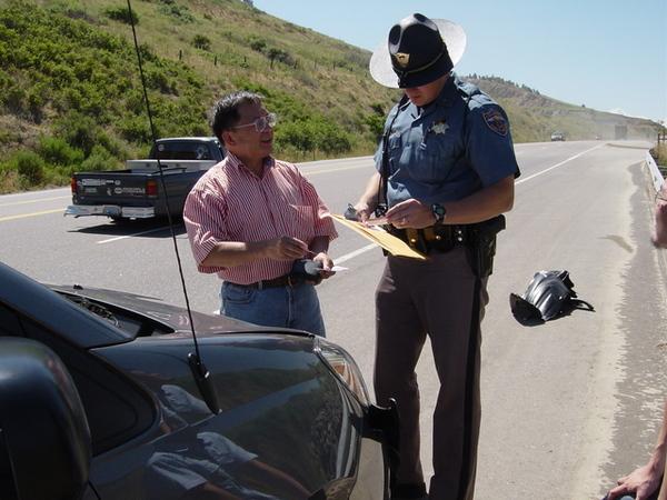 州際警察有牛仔味兒,那帽子真的是制服的一部份嗎?