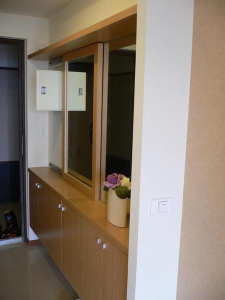 大門、玄關和鞋櫃