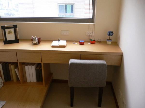 第二大房小書桌