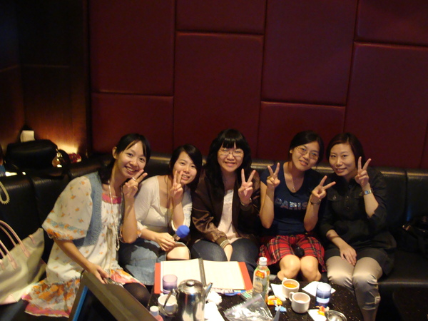 姐妹團唱歌1