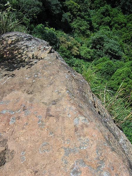 照片 021-岩石瘦稜