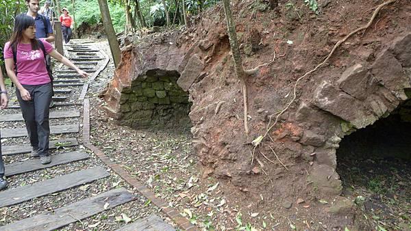 照片 031-粗坑炭窯步道