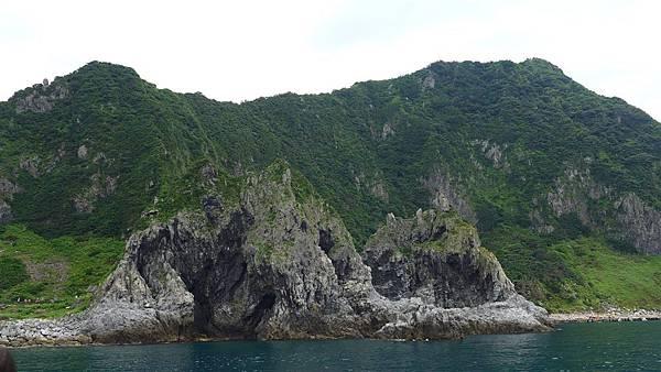 照片 055-基隆嶼的海蝕洞穴.jpg