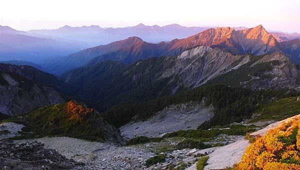 照片 165-南峰及巴巴山.jpg