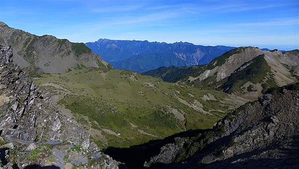 照片 210-東峰西眺雪山聖稜線.jpg