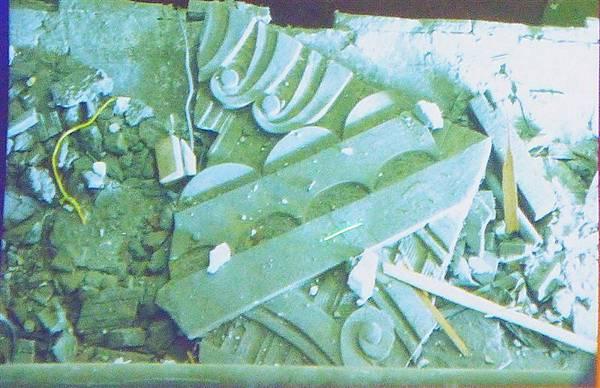 照片 015-受損的石膏板.jpg