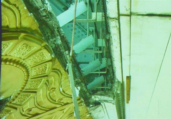 照片 017-吊掛的輕鋼架.jpg