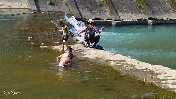 照片 062-在此釣魚的當地人.jpg