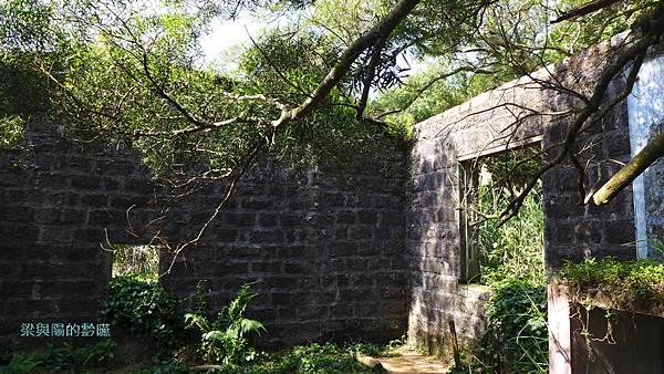 P1160852-寺廟遺址1.JPG
